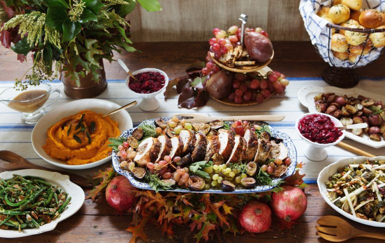 8 Ways to WIN Thanksgiving This Year