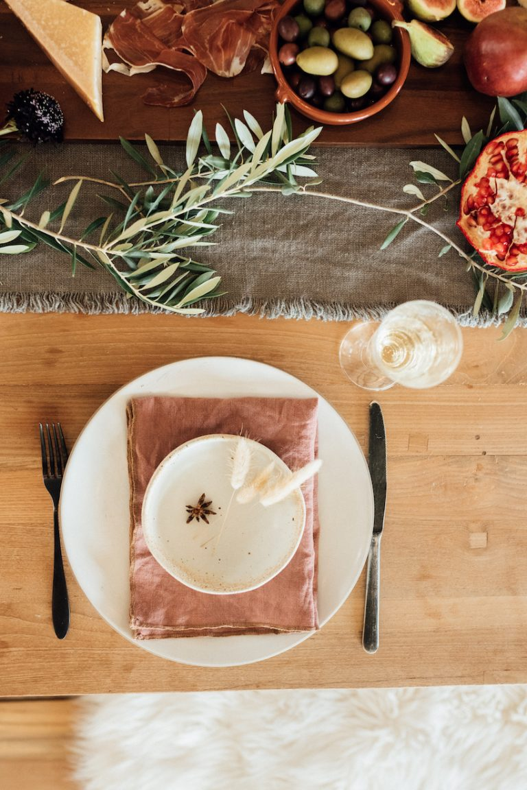 20 Incredibly Easy Ideas for the Thanksgiving Table